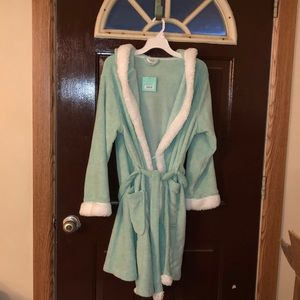 New with tag Robe